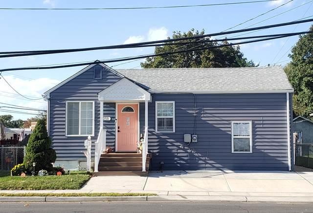 250 Thompson Avenue, Middletown, NJ 07748 (MLS #22105502) :: Laurie Savino Realtor