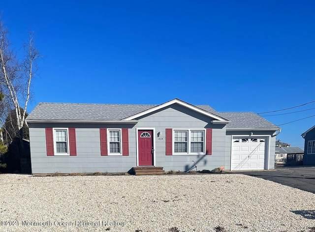1029 Sarasota Drive, Forked River, NJ 08731 (MLS #22106501) :: The Dekanski Home Selling Team
