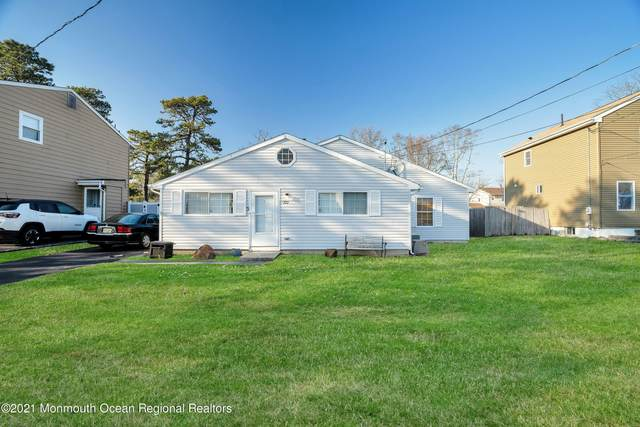 721 Oak Street, Lakehurst, NJ 08733 (MLS #22106502) :: The MEEHAN Group of RE/MAX New Beginnings Realty