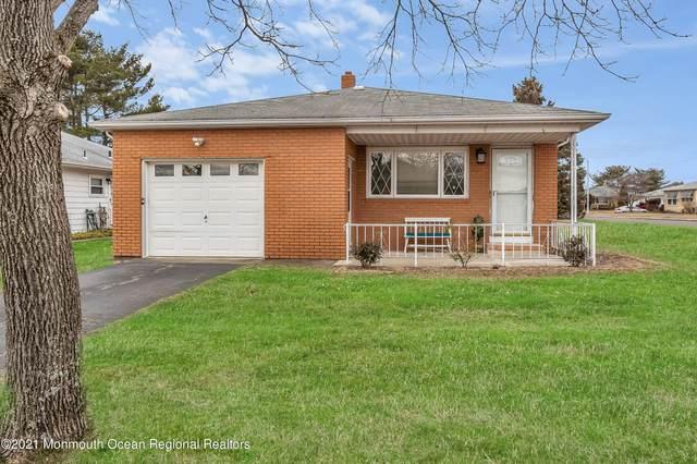 19 Harrington Drive S, Toms River, NJ 08757 (MLS #22106504) :: The Dekanski Home Selling Team
