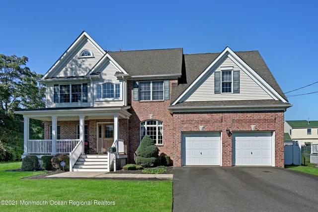 186 East Road, Belford, NJ 07718 (MLS #22106530) :: The Sikora Group