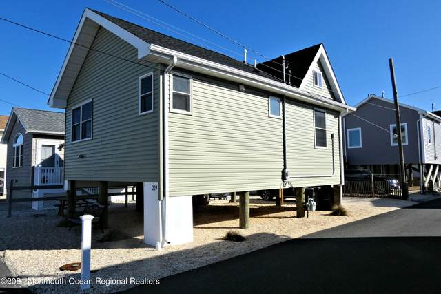 229 Harbor Drive, Lavallette, NJ 08735 (MLS #22106550) :: The MEEHAN Group of RE/MAX New Beginnings Realty