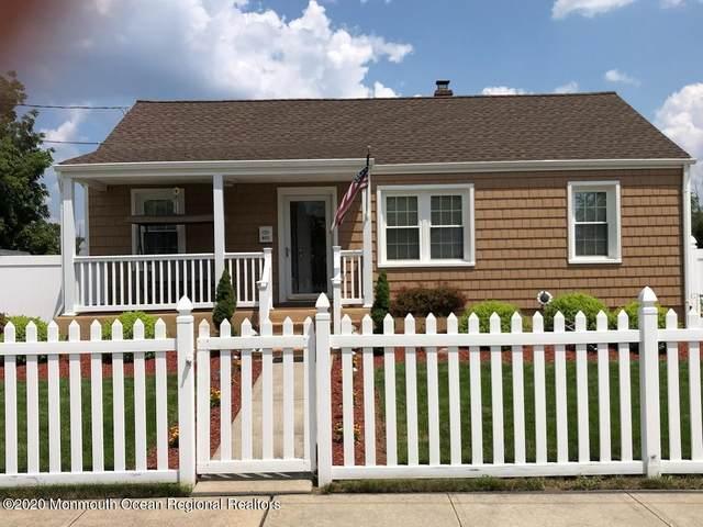 403 Manapaqua Avenue, Lakehurst, NJ 08733 (MLS #22106580) :: The Sikora Group