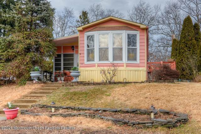 138 Oak Drive, Manchester, NJ 08759 (MLS #22106630) :: Provident Legacy Real Estate Services, LLC