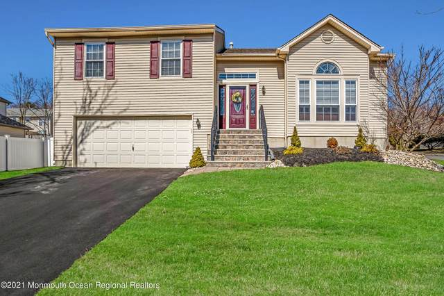 85 Heritage Drive, Howell, NJ 07731 (MLS #22106674) :: The MEEHAN Group of RE/MAX New Beginnings Realty