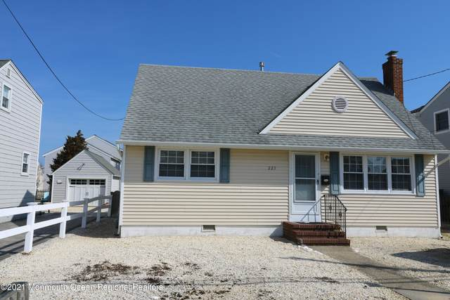 223 2nd Street, Surf City, NJ 08008 (MLS #22107043) :: The MEEHAN Group of RE/MAX New Beginnings Realty