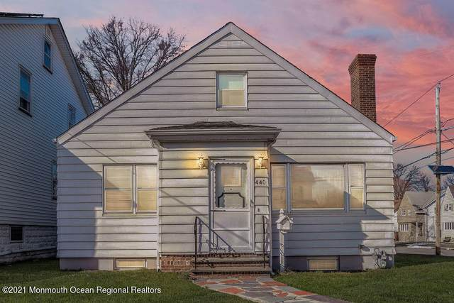 440 Crawford Terrace, Union, NJ 07083 (MLS #22107207) :: The MEEHAN Group of RE/MAX New Beginnings Realty