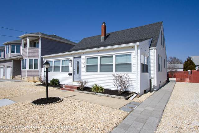 23 New York Avenue, Lavallette, NJ 08735 (MLS #22107288) :: The MEEHAN Group of RE/MAX New Beginnings Realty