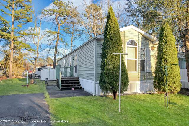 27 Beaver Avenue, Whiting, NJ 08759 (MLS #22107561) :: The DeMoro Realty Group | Keller Williams Realty West Monmouth
