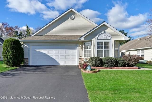 38 Strawberry Lane, Lakewood, NJ 08701 (MLS #22107822) :: Provident Legacy Real Estate Services, LLC