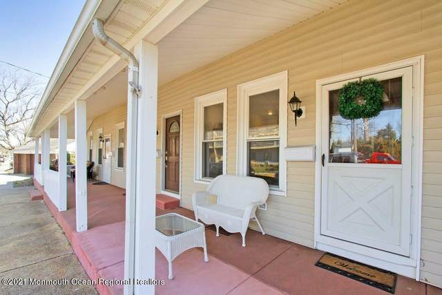 28 Morford Place, Red Bank, NJ 07701 (MLS #22108592) :: William Hagan Group
