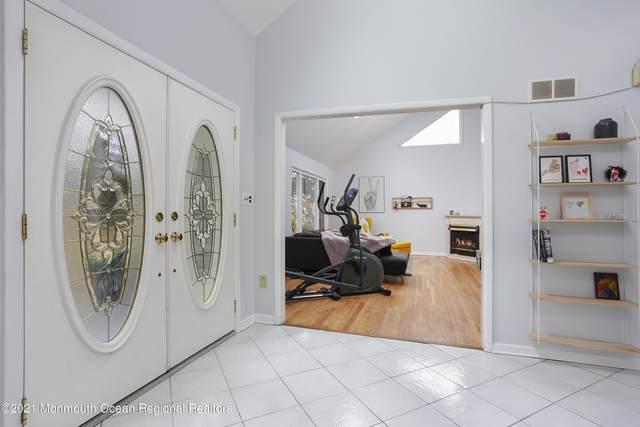 25 Laurel Brook Road, Lincroft, NJ 07738 (MLS #22108750) :: Provident Legacy Real Estate Services, LLC