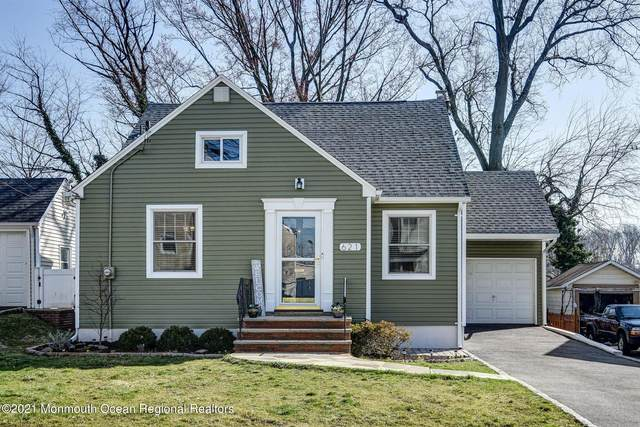 621 Golf Terrace, Union, NJ 07083 (MLS #22108888) :: The MEEHAN Group of RE/MAX New Beginnings Realty