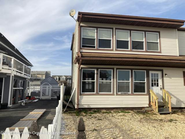40 Bay Shore Drive, Toms River, NJ 08753 (MLS #22108972) :: The MEEHAN Group of RE/MAX New Beginnings Realty