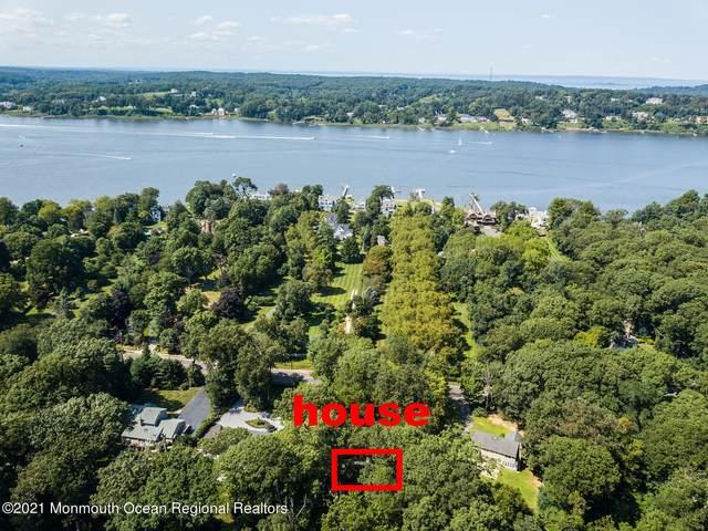 95 W River Road, Rumson, NJ 07760 (MLS #22109560) :: The MEEHAN Group of RE/MAX New Beginnings Realty