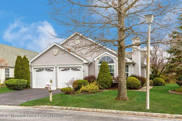 27 Skyline Drive, Lakewood, NJ 08701 (MLS #22110028) :: Laurie Savino Realtor