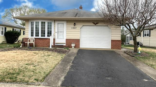 1007 Camino Real Court, Toms River, NJ 08757 (MLS #22110300) :: The MEEHAN Group of RE/MAX New Beginnings Realty