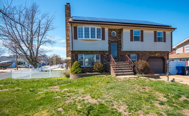30 Wills Court, Toms River, NJ 08753 (MLS #22110495) :: Provident Legacy Real Estate Services, LLC