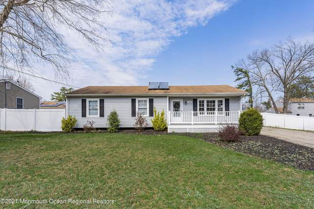 1609 Commonwealth Boulevard, Toms River, NJ 08757 (MLS #22110997) :: Caitlyn Mulligan with RE/MAX Revolution