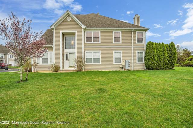5401 Belmont Court, Toms River, NJ 08755 (MLS #22111144) :: The MEEHAN Group of RE/MAX New Beginnings Realty