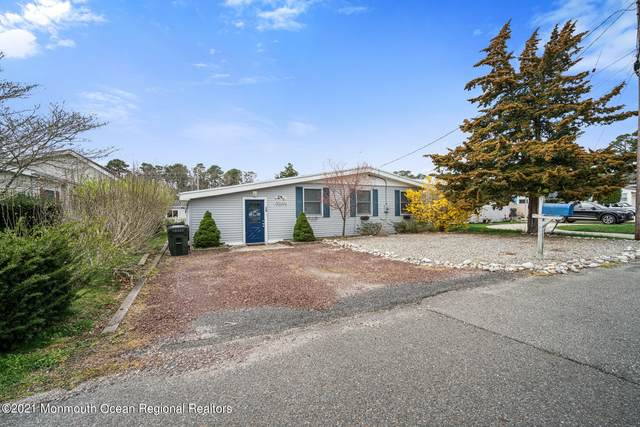 20 Fairway Drive, Tuckerton, NJ 08087 (MLS #22111187) :: The MEEHAN Group of RE/MAX New Beginnings Realty