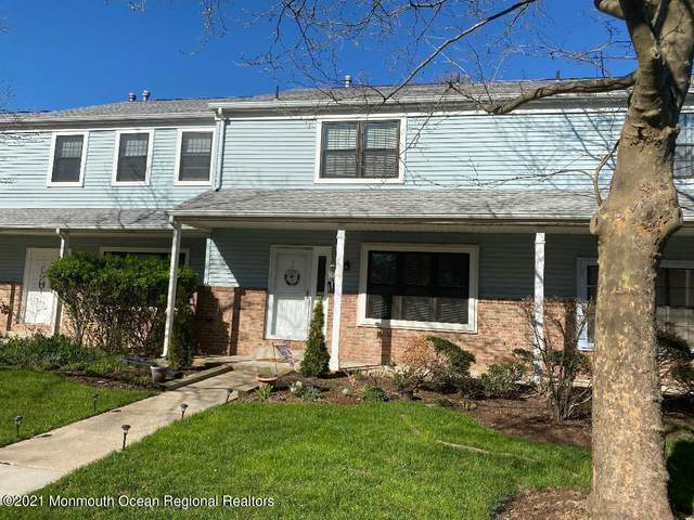 10 Aspen Drive, North Brunswick, NJ 08902 (MLS #22111220) :: The MEEHAN Group of RE/MAX New Beginnings Realty