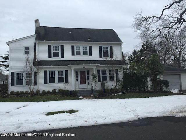 230 Lawrence Avenue, Oakhurst, NJ 07755 (MLS #22111268) :: The MEEHAN Group of RE/MAX New Beginnings Realty