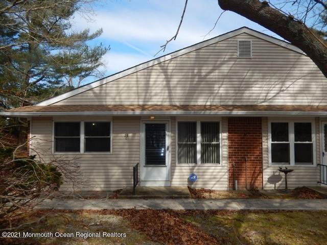 28 Snowberry Lane C, Whiting, NJ 08759 (MLS #22111561) :: Caitlyn Mulligan with RE/MAX Revolution