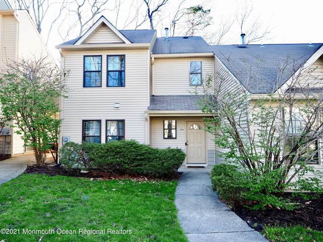 1906 Lilly Lane, Jackson, NJ 08527 (MLS #22111596) :: William Hagan Group