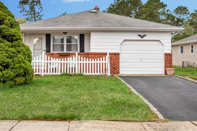 471 Saint Thomas Drive, Toms River, NJ 08757 (MLS #22111613) :: The MEEHAN Group of RE/MAX New Beginnings Realty