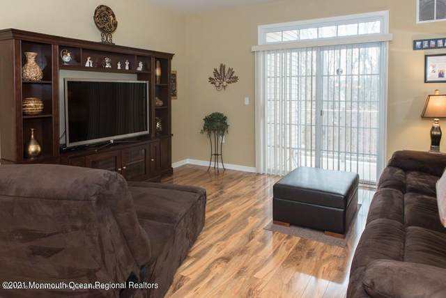 424 Sophee Lane #1000, Lakewood, NJ 08701 (MLS #22112603) :: The MEEHAN Group of RE/MAX New Beginnings Realty