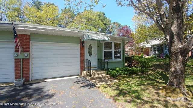 16 Valley Forge Drive B, Manchester, NJ 08759 (MLS #22112855) :: The Sikora Group