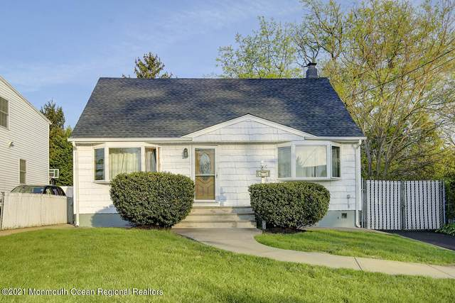 8 Center Avenue, Parlin, NJ 08859 (MLS #22113018) :: The MEEHAN Group of RE/MAX New Beginnings Realty