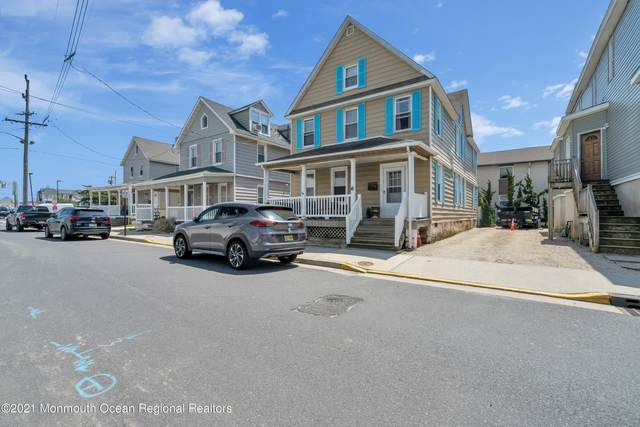6 Center Street, Sea Bright, NJ 07760 (MLS #22113278) :: The Sikora Group