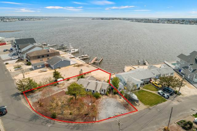40 Captains Drive, Brick, NJ 08723 (MLS #22113331) :: The MEEHAN Group of RE/MAX New Beginnings Realty