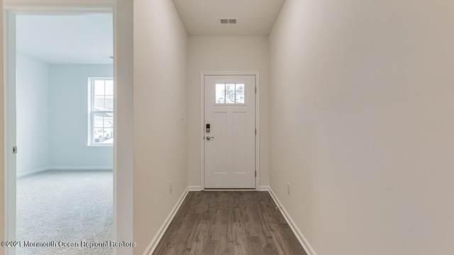 8 Cougar Lane, Barnegat, NJ 08005 (MLS #22113389) :: The MEEHAN Group of RE/MAX New Beginnings Realty