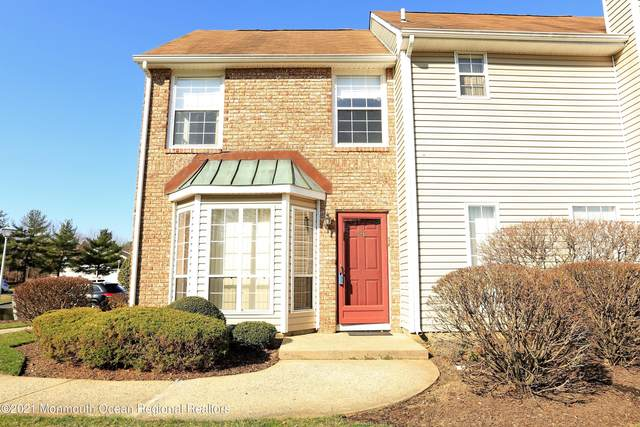 186 Essex Place, Marlboro, NJ 07746 (MLS #22113886) :: The Dekanski Home Selling Team