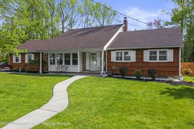 15 Sandburg Drive, Morganville, NJ 07751 (MLS #22114048) :: The Sikora Group