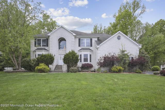 11 Golden Valley Drive, North Brunswick, NJ 08902 (MLS #22114533) :: The MEEHAN Group of RE/MAX New Beginnings Realty