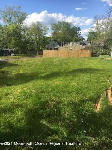 30 Institute Street, Freehold, NJ 07728 (MLS #22114792) :: Kiliszek Real Estate Experts