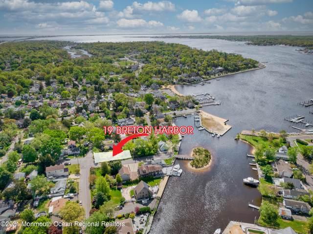 19 Breton Harbors Drive, Toms River, NJ 08753 (MLS #22114848) :: The Sikora Group