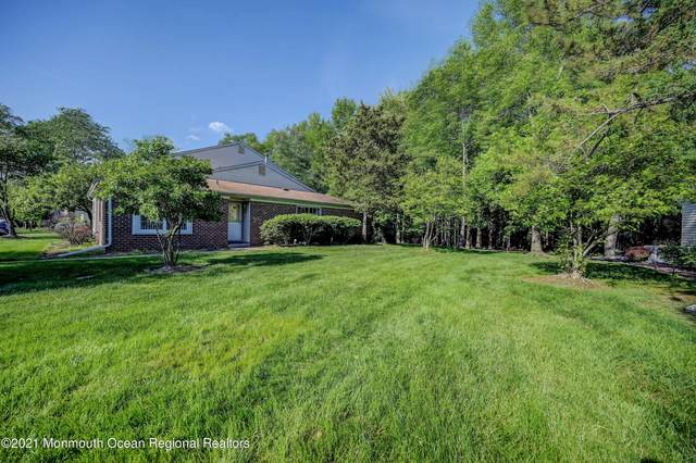 351 Constitution Circle, North Brunswick, NJ 08902 (MLS #22115601) :: The MEEHAN Group of RE/MAX New Beginnings Realty
