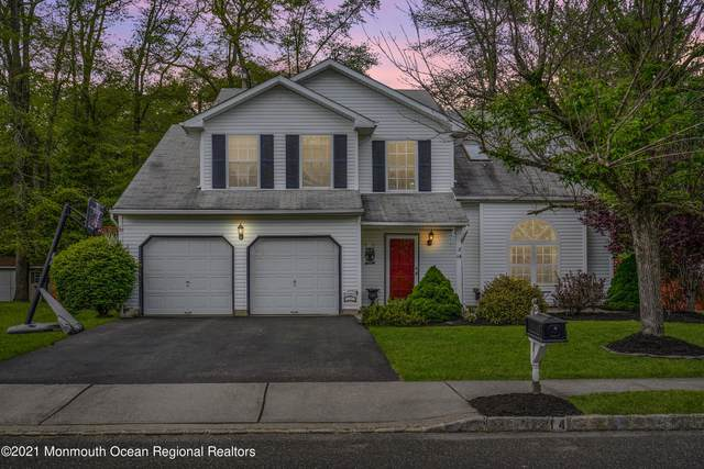 14 Silverbrooke Circle, Howell, NJ 07731 (MLS #22115727) :: Caitlyn Mulligan with RE/MAX Revolution