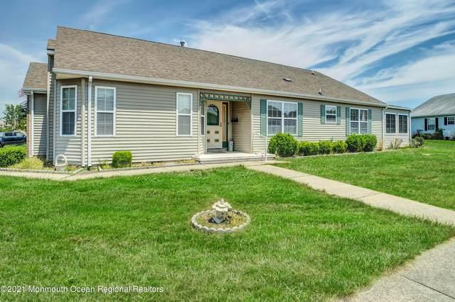 10 Colwyn Way, Toms River, NJ 08757 (MLS #22116063) :: The Dekanski Home Selling Team