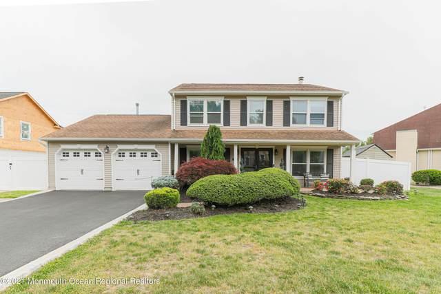 17 Green Leaf Way, Holmdel, NJ 07733 (MLS #22116312) :: The DeMoro Realty Group | Keller Williams Realty West Monmouth