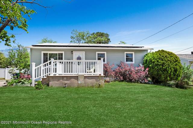 28 Bucknell Drive, Toms River, NJ 08757 (MLS #22116369) :: The MEEHAN Group of RE/MAX New Beginnings Realty