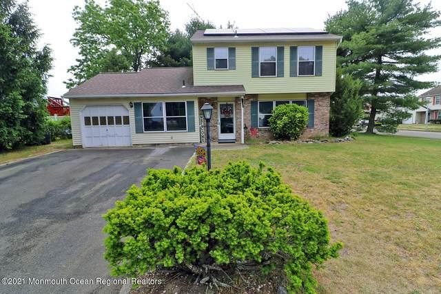46 Bristlecone Drive, Howell, NJ 07731 (MLS #22116549) :: PORTERPLUS REALTY