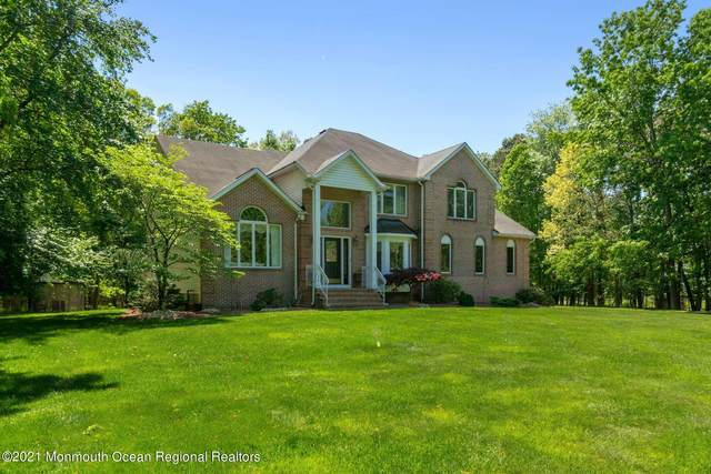 1 Donna Court, Manalapan, NJ 07726 (MLS #22116910) :: Caitlyn Mulligan with RE/MAX Revolution