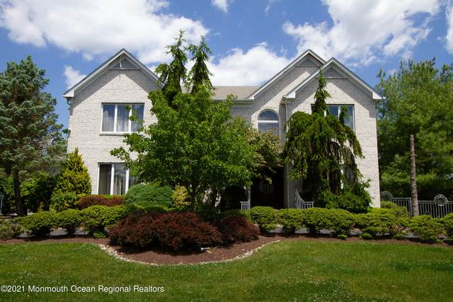 43 Stony Hill Drive, Morganville, NJ 07751 (MLS #22117269) :: The MEEHAN Group of RE/MAX New Beginnings Realty
