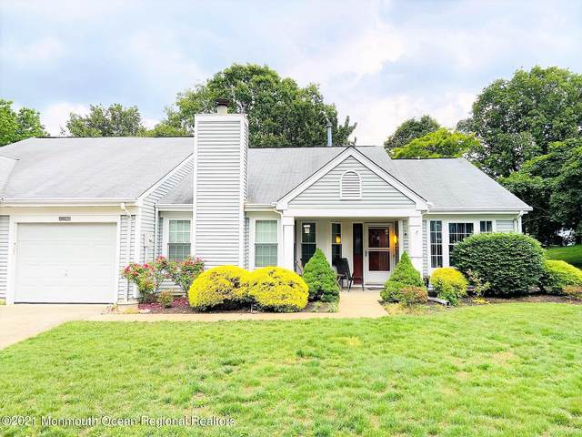 1038B Canterbury Drive, Manchester, NJ 08759 (MLS #22118046) :: Caitlyn Mulligan with RE/MAX Revolution